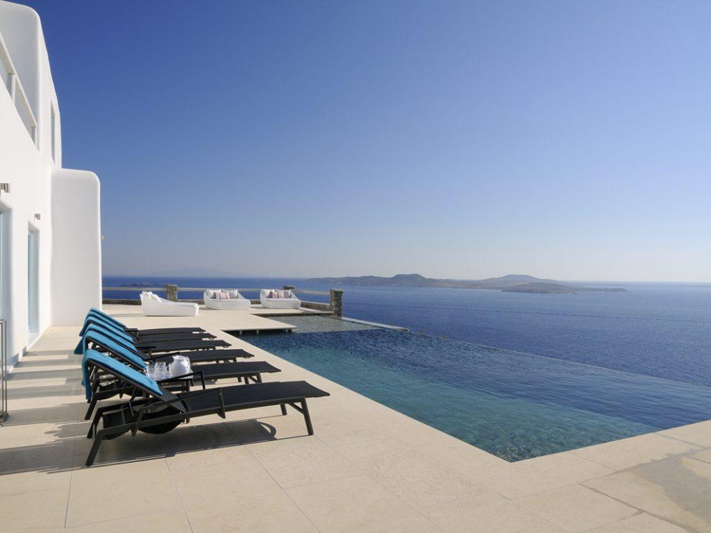 private panoramic pool